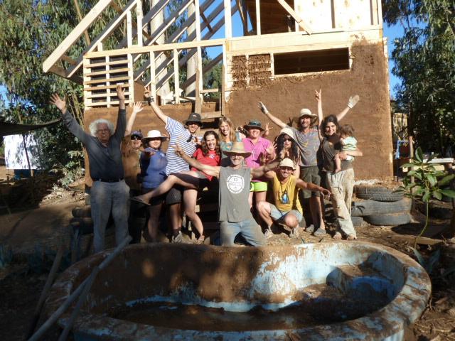 Curso Construcción de una casita natural Verano 2011